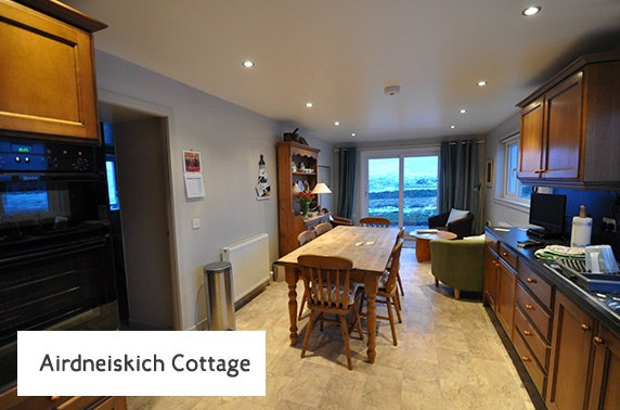 Coastal Highland cottage getaway - £9.50pppn