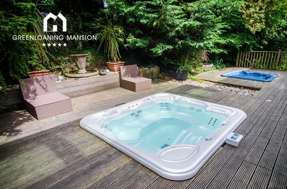 Mansion & hot tub group stay