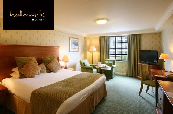 4* Glasgow City Centre DBB - £85
