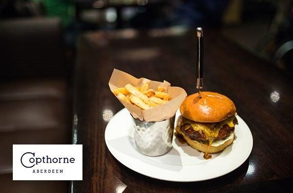 Burgers & drinks, 4* Copthorne Hotel
