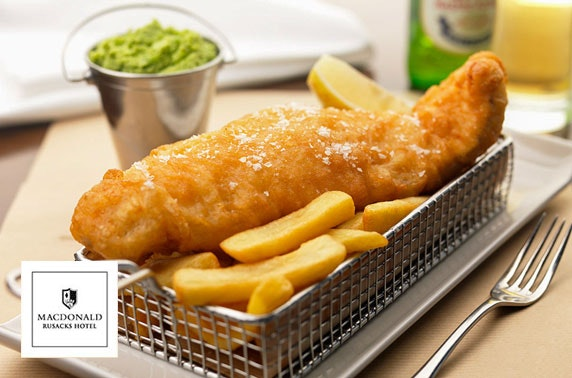 4* Macdonald Rusacks fish & chips and gin
