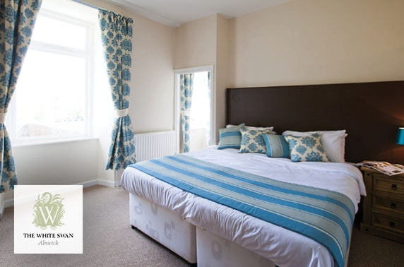 Alnwick group cottage stay - from £10pppn