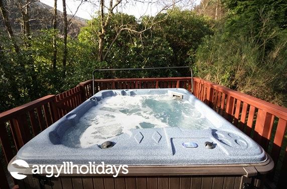 Hot tub lodge stay - choice of 2 locations
