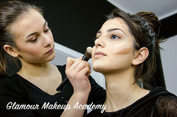 Makeup masterclass - valid until September!