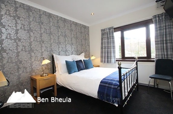 Loch Long self-catering stay for up to ten -  under £15pppn