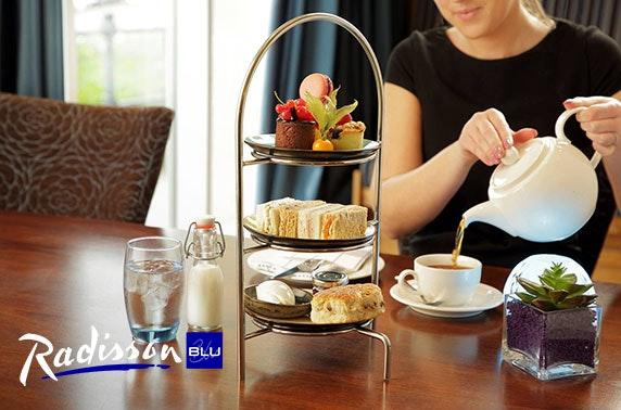 4* Radisson Blu Durham Prosecco afternoon tea