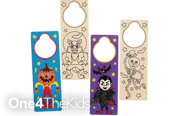 Halloween craft box: inc. 4 activities, pick & mix and UK delivery