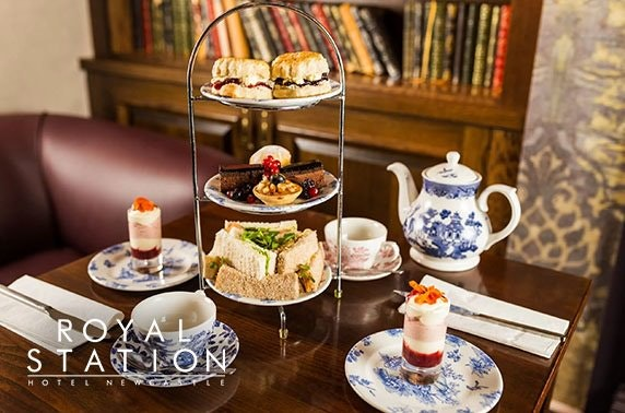 Royal Station Hotel Prosecco afternoon tea
