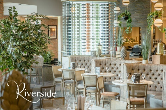 4* Riverside Lodge Hotel afternoon tea