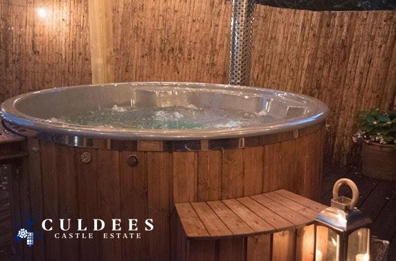 Luxury hot tub glamping, nr Crieff