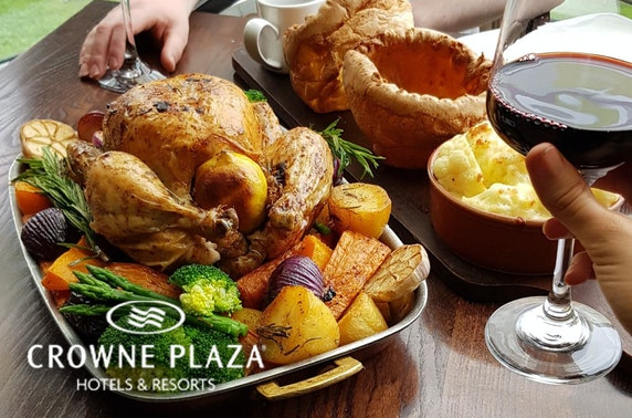 4* Crowne Plaza Glasgow Sunday roast