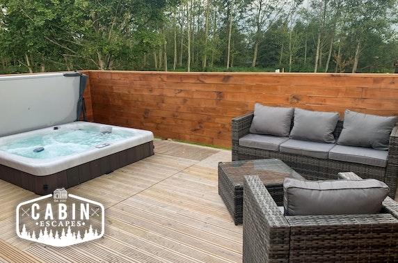 Luxury lodge break & hot tub, Northumberland